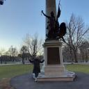 Стелла посвященная Бостонская бойне — уличная стычке, произошедшей 5 марта 1770 года в столице провинции Массачусетс-Бэй — Бостоне между горожанами и английскими солдатами. Фундамент американской независимости был заложен 5 марта 1770 года